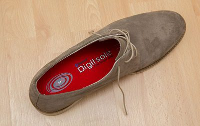 Digitsole in a shoe 2 حذاء ذكي يمكنه تدفئة قدميك