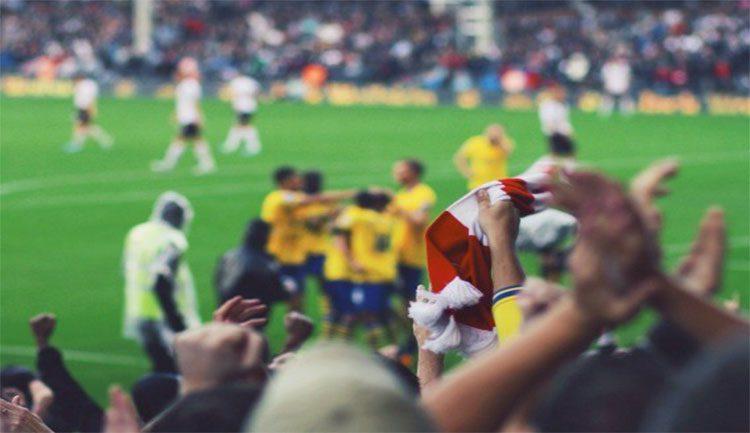 تعرف كيف أعادت التكنولوجيا الحياة لملاعب كرة القدم في الدوريات الأوروبية