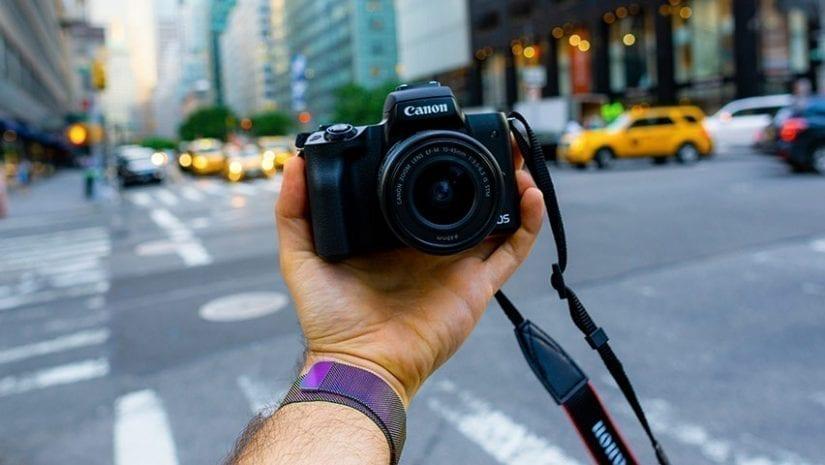 ميزة Mirror Front Camera لالتقاط صور السيلفي