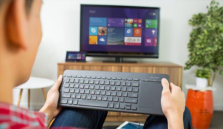 5 لوحات المفاتيح لاسلكية مع لوحة لمس مدمجة لأجهزة التلفزيون